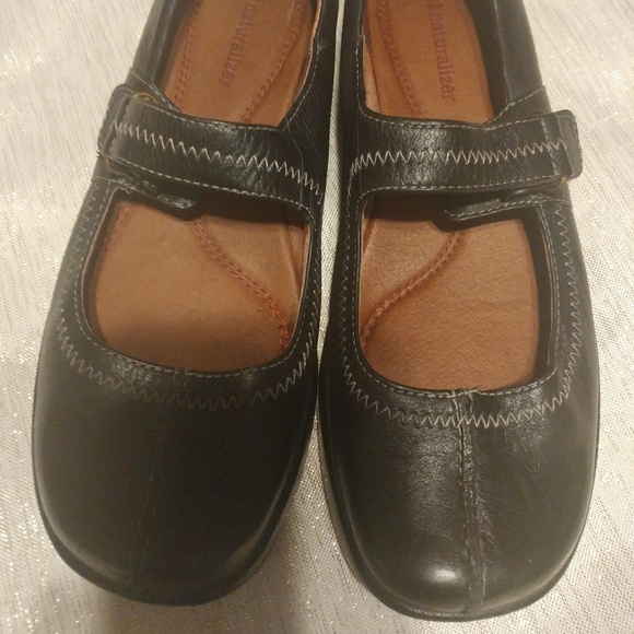 Naturalizer Shoes - Naturalizer Artesia Black Leather Mary Janes 7.5M